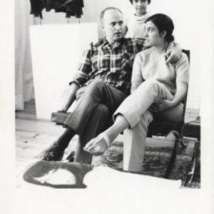 Fotografía de Eusebio y sus sobrinas en el Museo de las Casas Colgantes, 1968