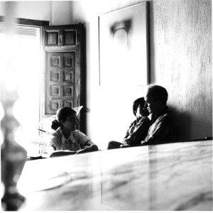 Sempere en Cuenca con sus sobrinas, 1968