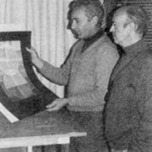 Sempere y Martín viendo pruebas de color